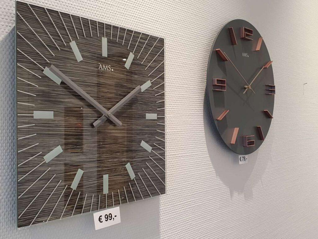 Uhren-Großuhren
